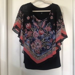 Pinch style floral blouse. Size 0X